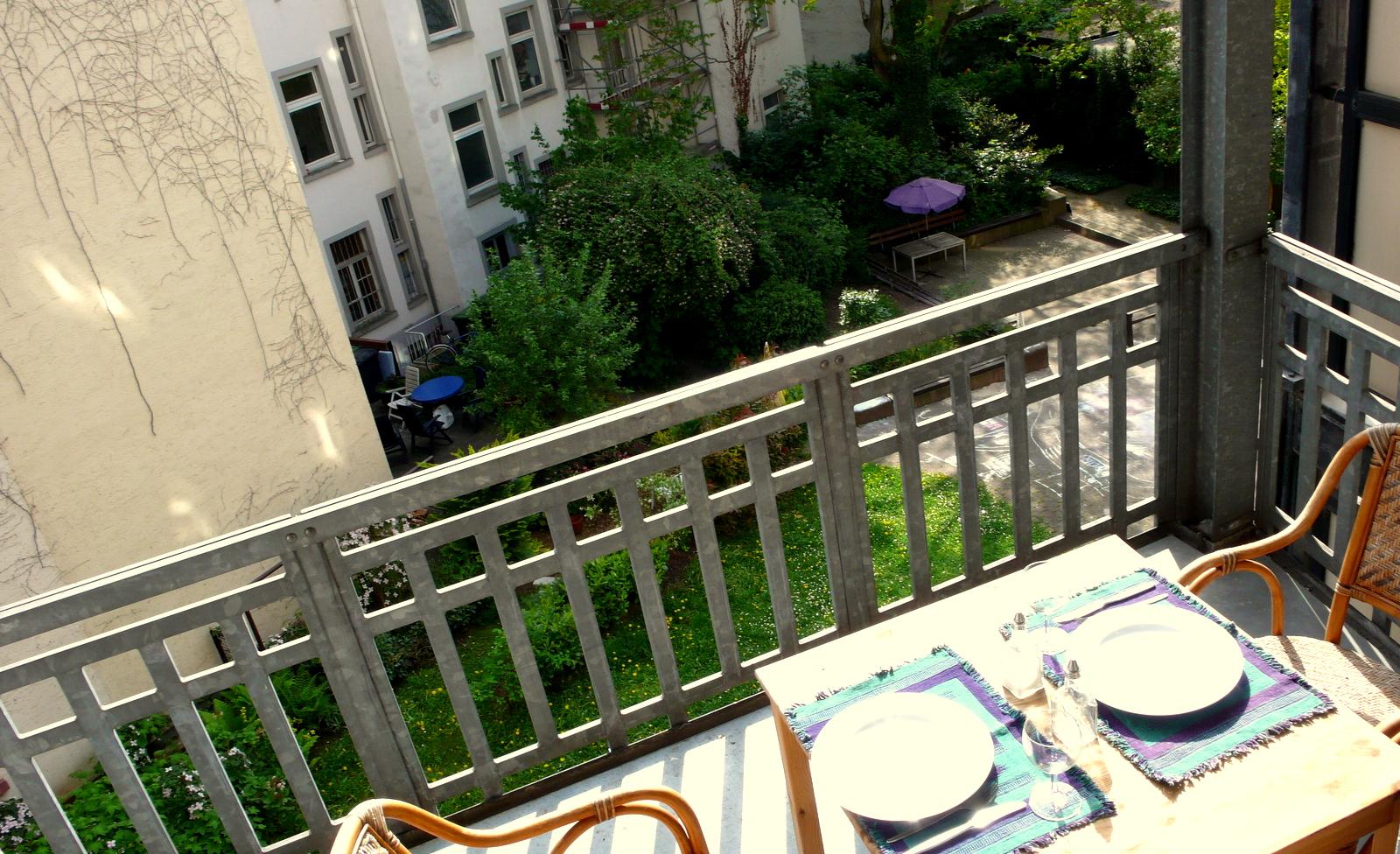 2nd-floor-7 Furnished apartment with Balcony in Frankfurt Bockenheim %Bockenheim
