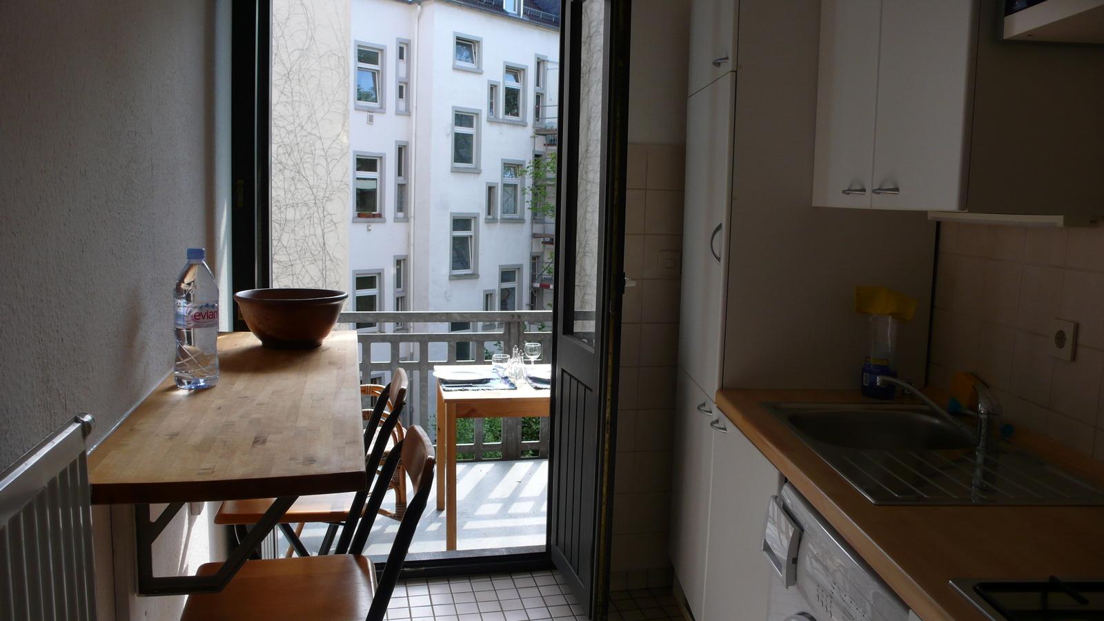 2nd-floor-8 Möblierte 2 Zimmerwohnung mit Balkon %Bockenheim