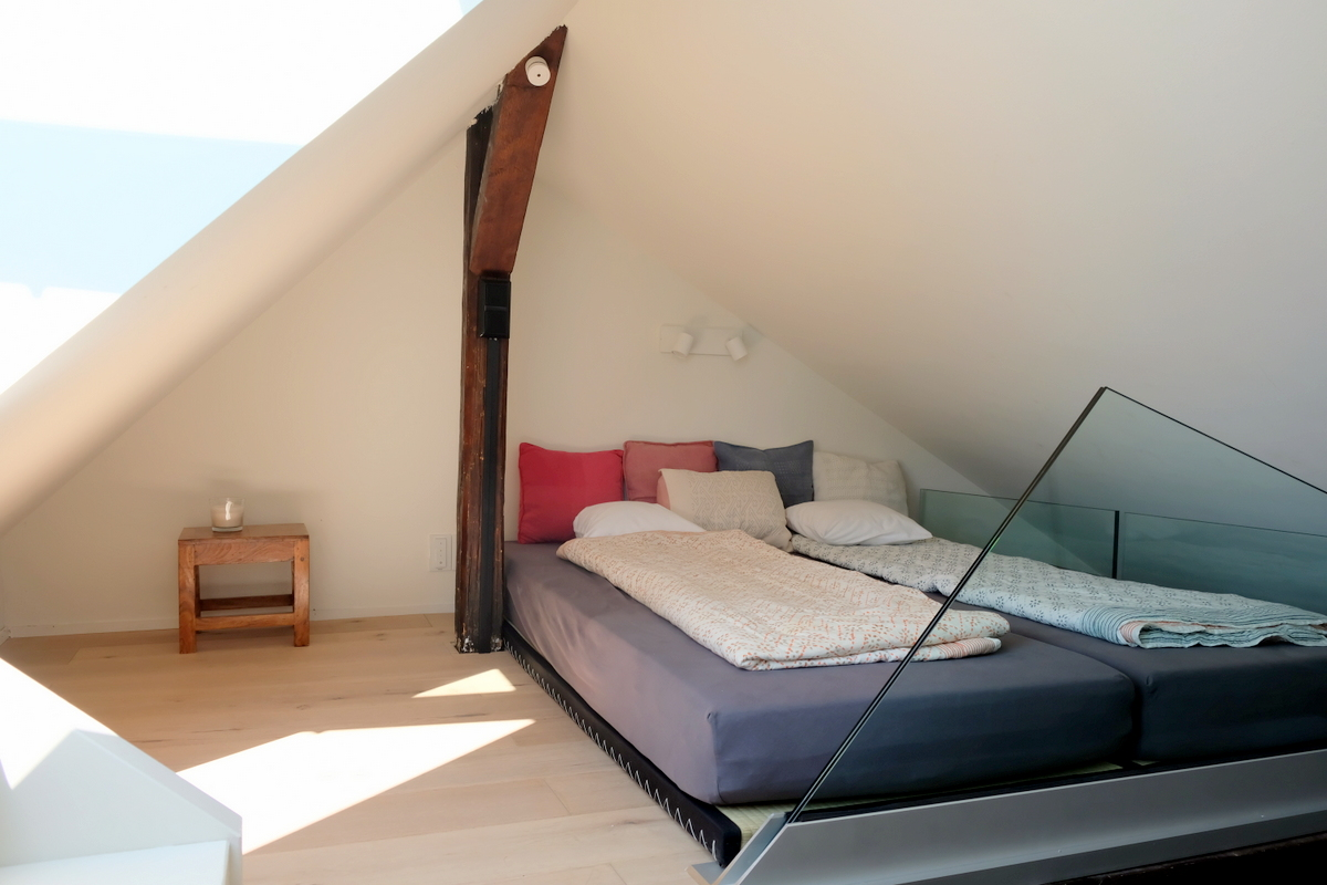 attic-penthouse-frankfurt Stylish Large holiday apartment with view in Frankfurt City %Bockenheim